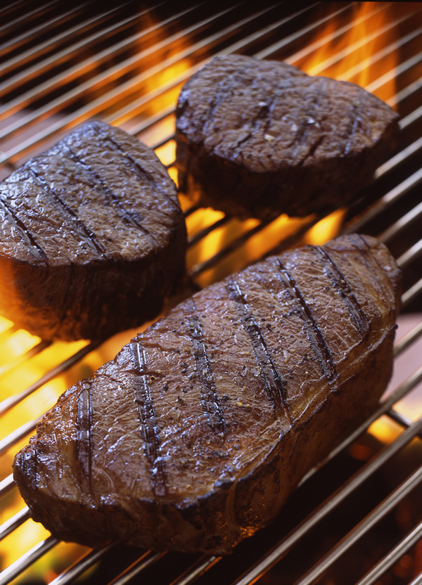 Beef-Filet-and-Strip-Steak-Grill